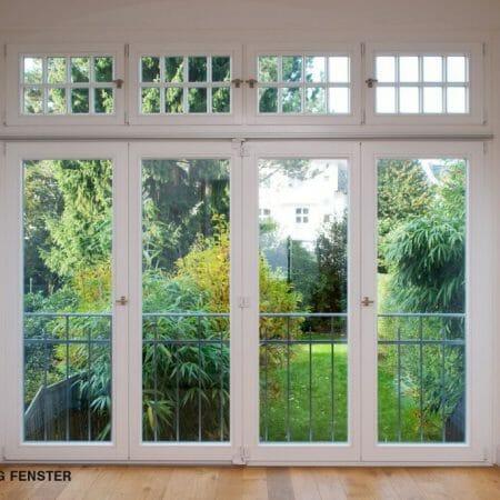 Eine großzügige aufklappbare Fenstertür.