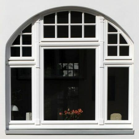 Dieses Fenster wurde nach Denkmalschutzauflagen gefertigt.