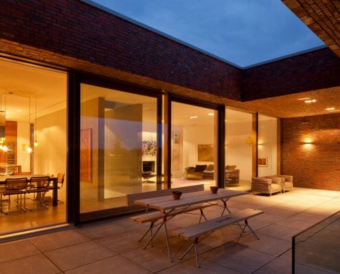 modernes Einfamilienhaus Holz-Aluminium-Fenster