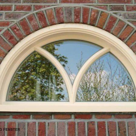 Ein individuelles Segmentbogenfenster von BRÖCKING FENSTER.
